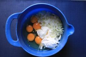 the eggs,choppd anions,greek yogurt