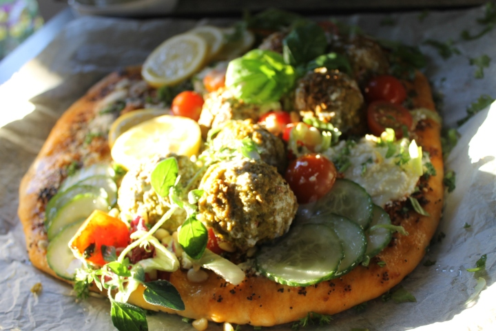 vegetarian pizza-zonnelicht-pesto