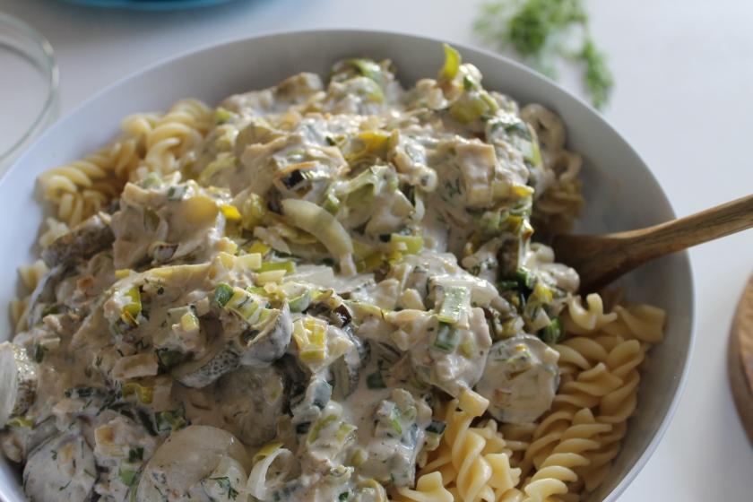 creamy herring-pasta-saus