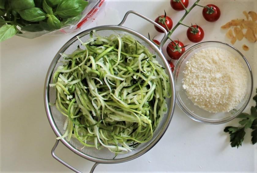 vegetarian pasta-noodels-closeup